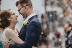 Hochzeitsfotograf im Saarland und der Pfalz - Brautpaar am Deidesheimer Hof