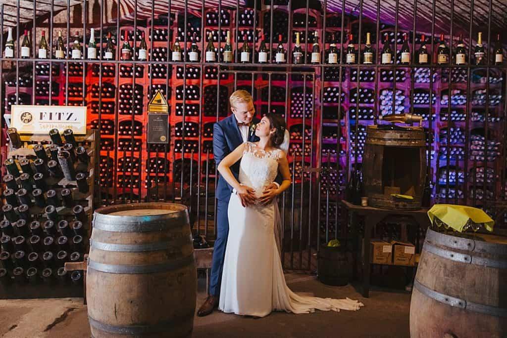 Hochzeitsfotos im Weingut Fitz-Ritter Bad Dürkheim - Brautpaarshooting im Gewölbekeller