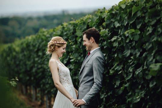 Hochzeitsfotograf in der Pfalz - Brautpaarshooting in den Weinbergen von Forst an der Weinstraße und Deidesheim