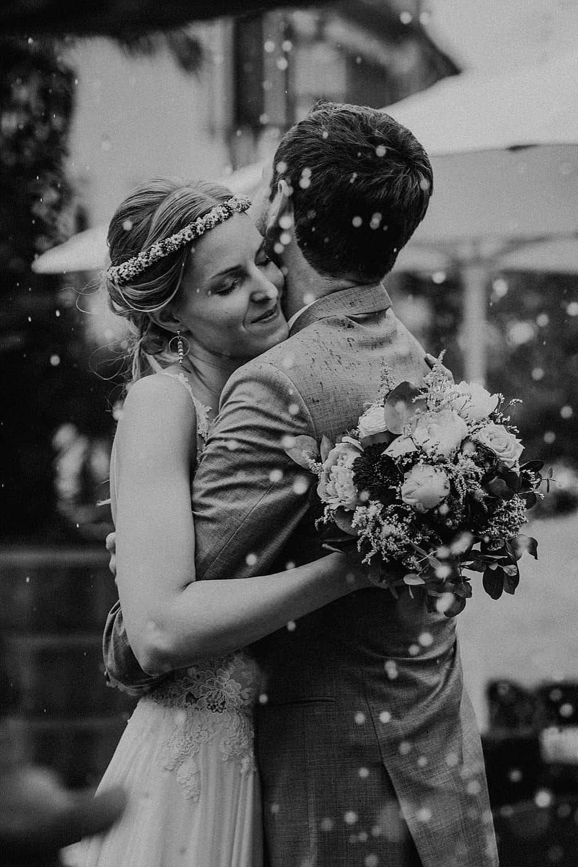 Hochzeitsfotograf im Saarland und der Pfalz - Hochzeit mit Brautpaarshooting in Deidesheim am Deidesheimer Hof