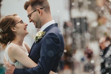 Hochzeitsfotograf in der Pfalz - Hochzeitsfoto Brautpaar in Deidesheim - Deidesheimer Hof